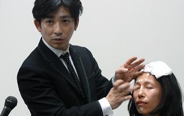カリスマ美容師がヘアメークで若返る方法を伝授