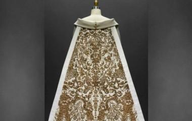 メトロポリタン美術館のガラに豪華衣装のセレブらが集結