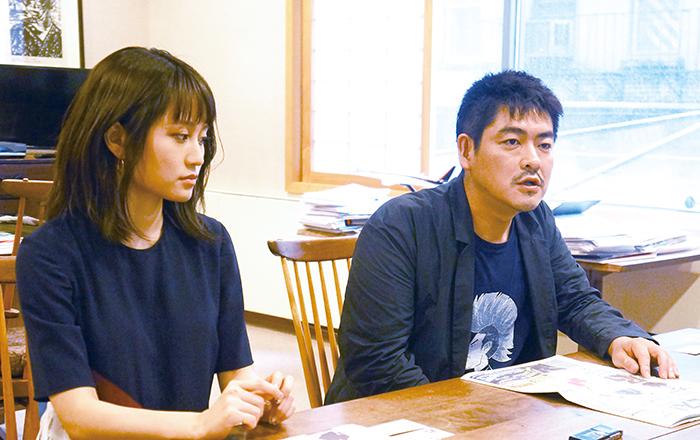 前田敦子さん(左)と沖田修一監督