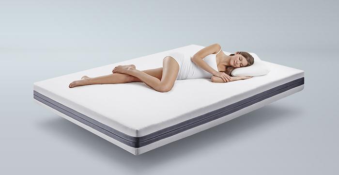 あらゆる方向から体を支えることができる、革新的なスプリングレス・ベッドマットレス