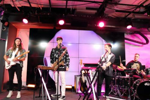 高性能の音響と照明で、ライブ・パフォーマンスはより一層盛り上がった=10月10日、ニューヨーク(撮影:田部井)