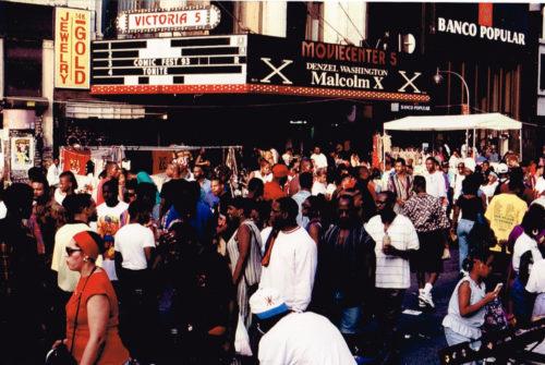 約30年前、スパイク・リー監督映画「マルコムX」公開時のヴィクトリアシアター前の写真は今や私の宝